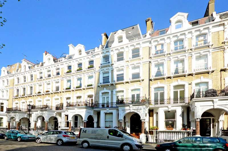 2 Bedrooms Flat for sale in Redcliffe Square, Chelsea, SW10