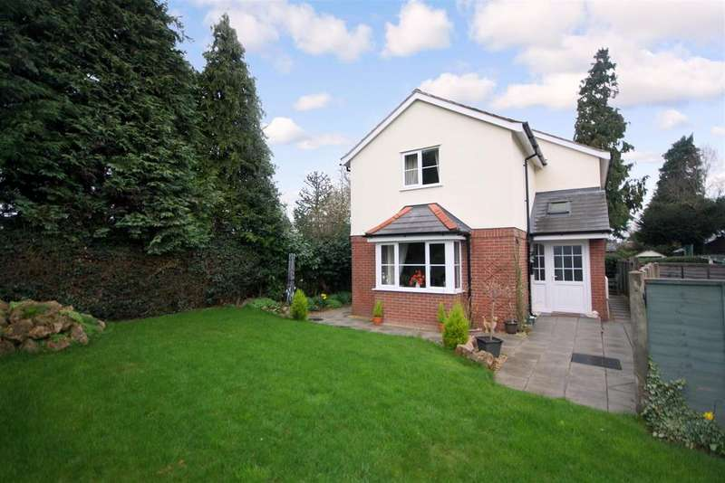 3 Bedrooms Detached House for sale in St. Martins Road, Gobowen, Oswestry