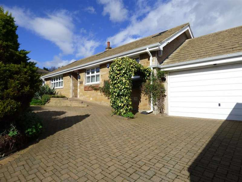 3 Bedrooms Detached Bungalow for sale in Robin Close, Eccleshill, Bradford, BD2 2EZ