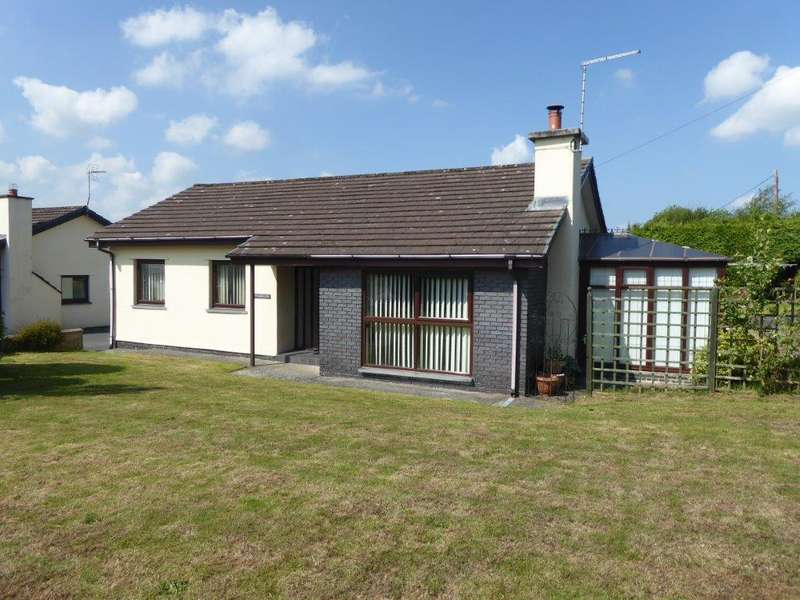 3 Bedrooms Bungalow for sale in Cross Inn, Llanon