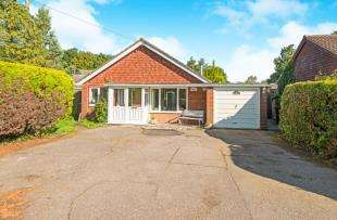 3 Bedrooms Bungalow for sale in London Road, Dunkirk, Faversham, Kent