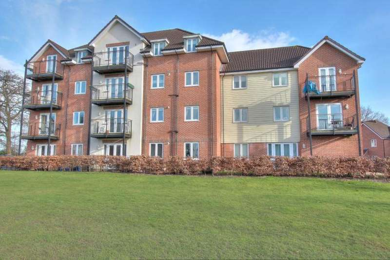 2 Bedrooms Flat for sale in Hut Farm Place, Chandlers Ford