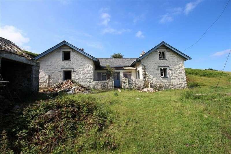 2 Bedrooms Detached House for sale in Gyrn Goch, Clynnog Fawr, Gwynedd, LL54