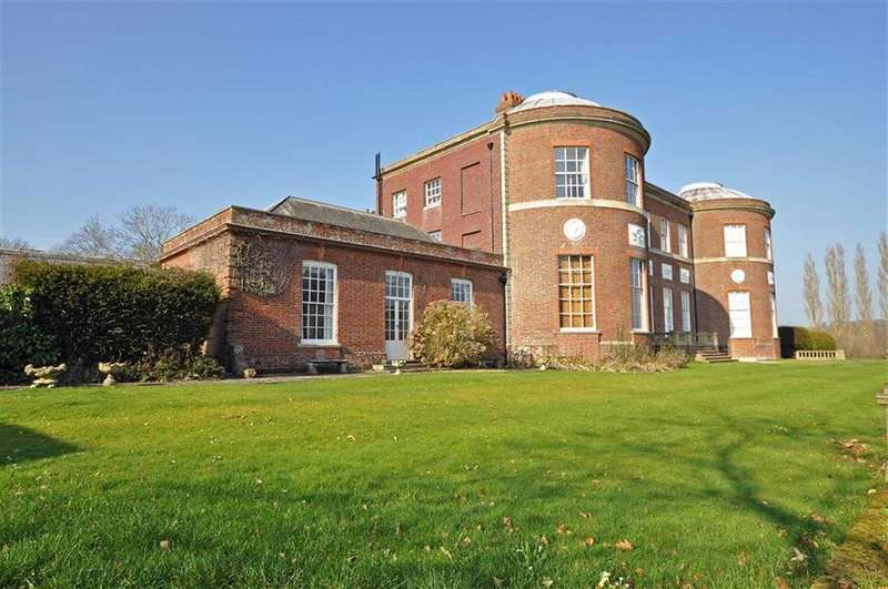 2 Bedrooms Apartment Flat for sale in Herstmonceux