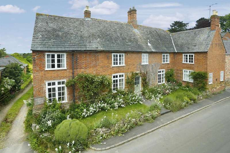6 Bedrooms Barn Conversion Character Property for sale in Snows Lane, Keyham