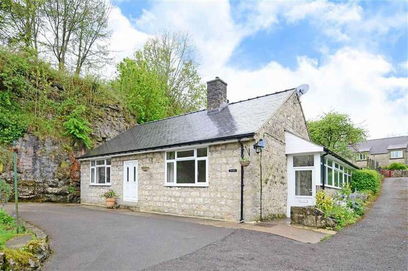 2 Bedrooms Bungalow for sale in Rock Lea, The Rock, Bakewell, Derbyshire, DE45