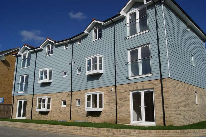 2 Bedrooms Apartment Flat for sale in Tayberry Close, Newport