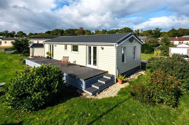 1 Bedroom Park Home Mobile Home for sale in The Dell, Caerwnon Park, Builth Wells