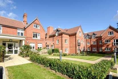 1 Bedroom Retirement Property for sale in Faulkner House, St. Pauls Cray Road, Chislehurst