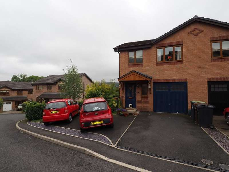 4 Bedrooms Semi Detached House for sale in Heather Falls, New Mills, High Peak, Derbyshire, SK22 3GA