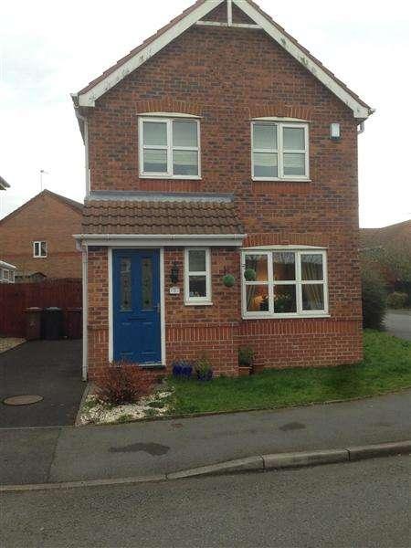 3 Bedrooms Detached House for rent in Millwood Close, Blackburn