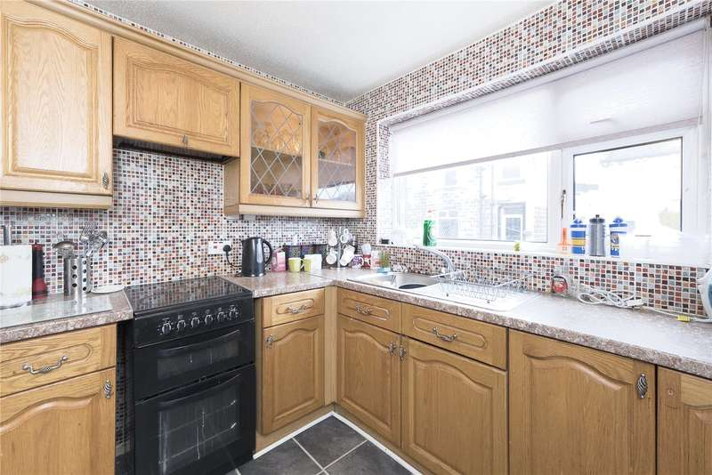 3 Bedrooms Terraced House for sale in Longfield Road, Pudsey, West Yorkshire, LS28