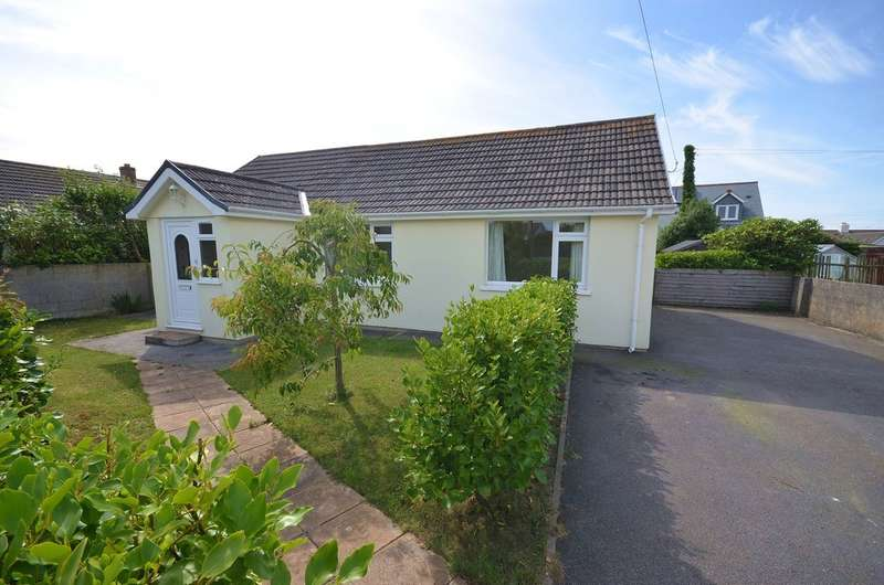 2 Bedrooms Bungalow for sale in Highfield Road, Mount Hawke, Cornwall