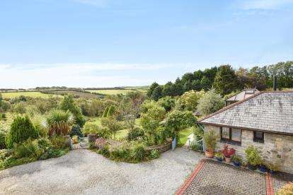 4 Bedrooms Bungalow for sale in Truro, Cornwall