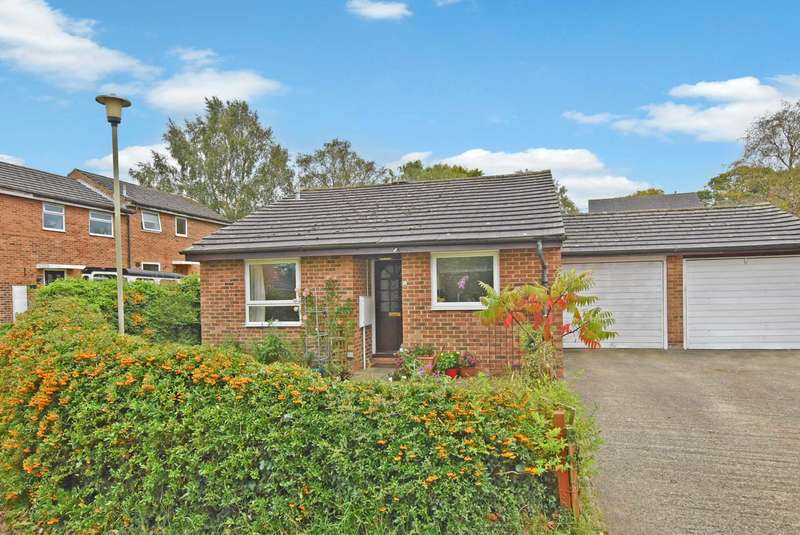 2 Bedrooms Bungalow for sale in Hagbourne Close, Woodcote
