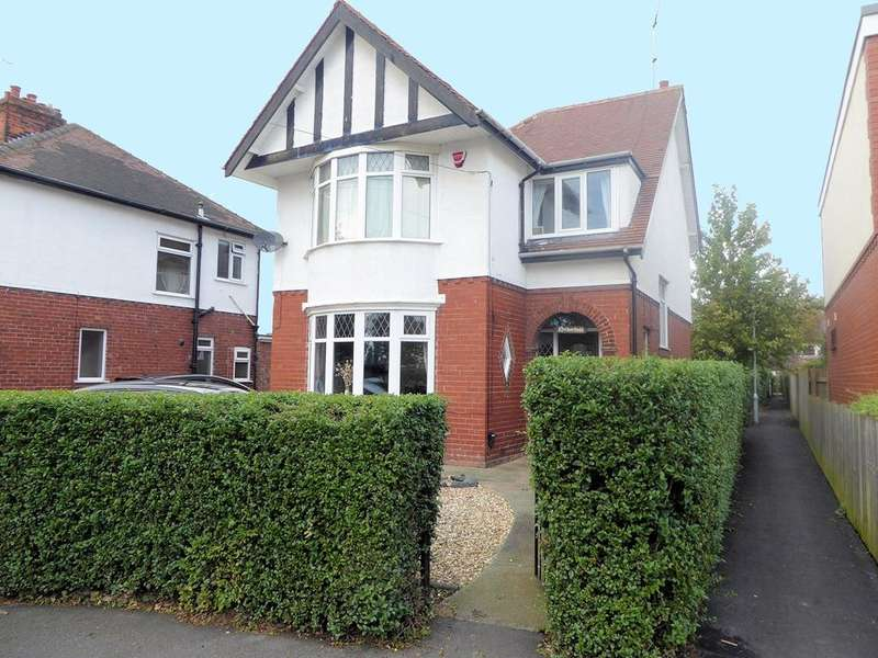 4 Bedrooms House for sale in Southern Drive, HULL, HU4 6TS