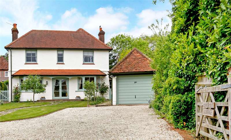 5 Bedrooms Detached House for sale in Hampden Road, Speen, Princes Risborough, Buckinghamshire, HP27