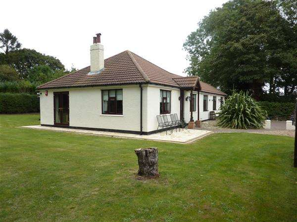 4 Bedrooms Detached Bungalow for sale in NORMANBY, PEPPERCORN WALK, HOLTON-LE-CLAY, GRIMSBY