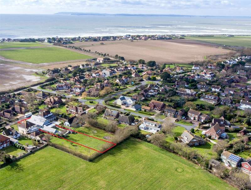 4 Bedrooms Detached House for sale in Wellsfield, West Wittering, Chichester, West Sussex, PO20
