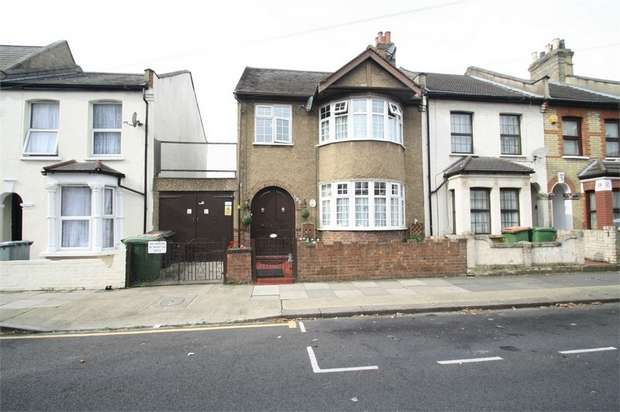 3 Bedrooms Semi Detached House for sale in Third Avenue, Manor Park, London