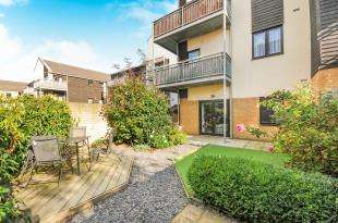 1 Bedroom Flat for sale in Davis Way, Sidcup, Kent, .