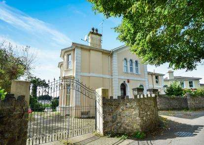 4 Bedrooms Detached House for sale in Torre, Torquay, Devon