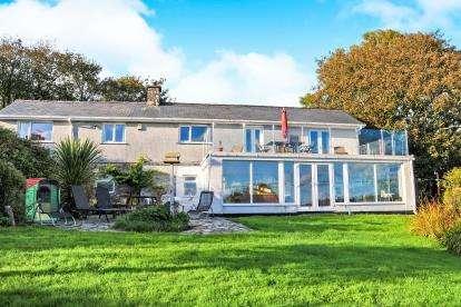 4 Bedrooms Detached House for sale in Mynytho, Gwynedd, LL53