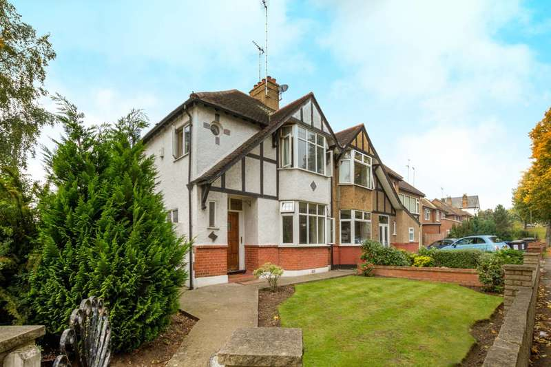 3 Bedrooms House for sale in Friern Barnet Lane, Friern Barnet, N11