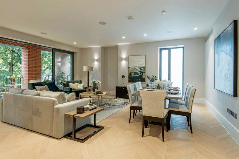 3 Bedrooms Flat for sale in Netherhall Gardens, Hampstead