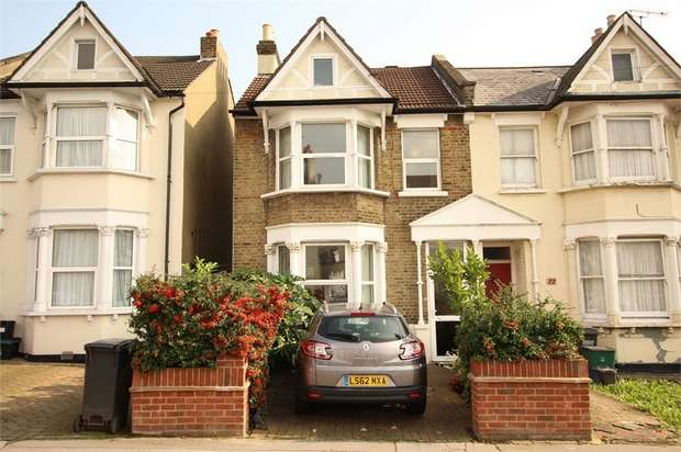 3 Bedrooms End Of Terrace House for sale in Woodville Road, Thornton Heath, Surrey