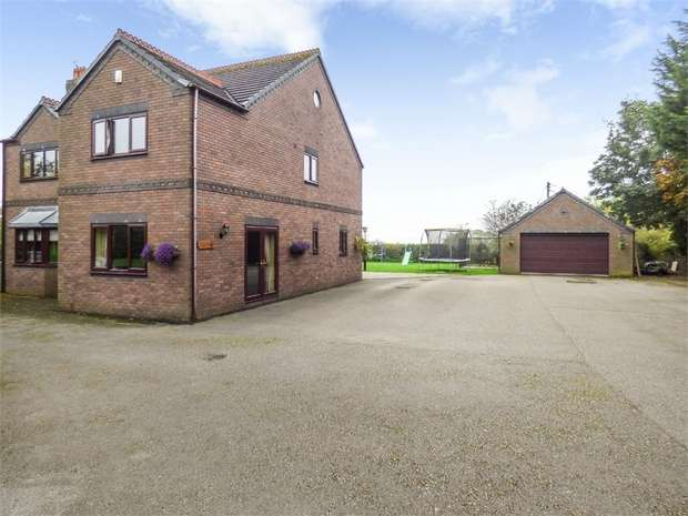 4 Bedrooms Detached House for sale in Long Lane, Pentre Broughton, Wrexham