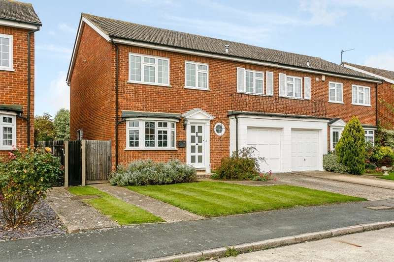 4 Bedrooms Semi Detached House for sale in Staines upon Thames