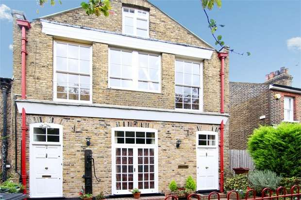 1 Bedroom Flat for sale in Church Path, Walthamstow, London