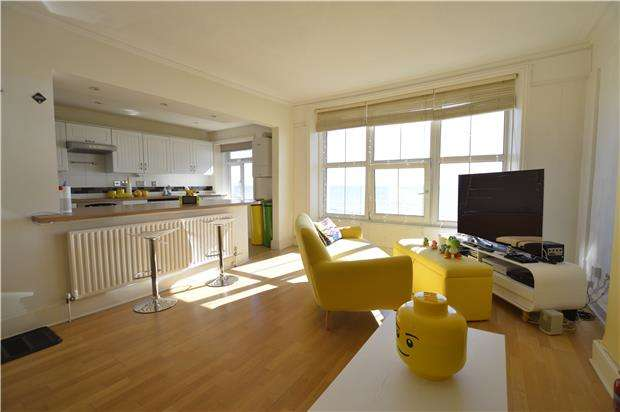 2 Bedrooms Flat for sale in Eversfield Place, ST LEONARDS-ON-SEA, East Sussex, TN37 6BY