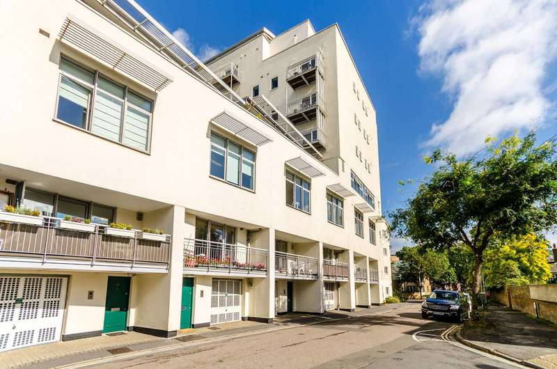 1 Bedroom Maisonette Flat for sale in Vineyard Path, Mortlake, SW14