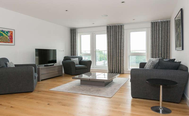 3 Bedrooms Apartment Flat for rent in Kew Bridge Road, Brentford, TW8