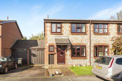 3 Bedrooms Semi Detached House for sale in The Flintings, Gaddeden Row, Hemel Hempstead, Hertfordshire