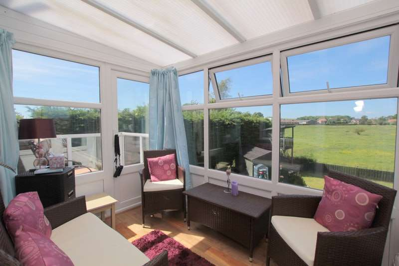 3 Bedrooms Detached House for sale in East Gate, Rudston, East Yorkshire, YO25