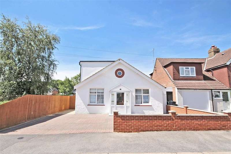 5 Bedrooms Detached House for sale in Althorne Road, Redhill, Surrey