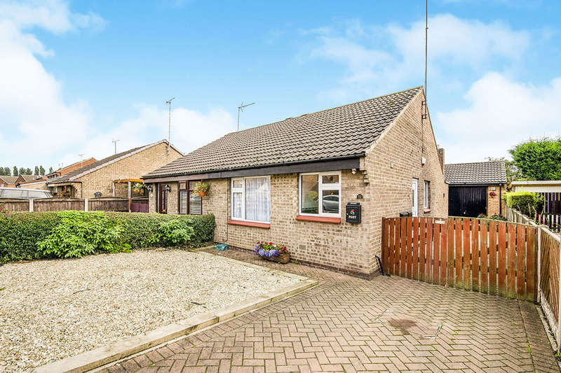 2 Bedrooms Semi Detached Bungalow for sale in Pollards Fields, Knottingley, WF11