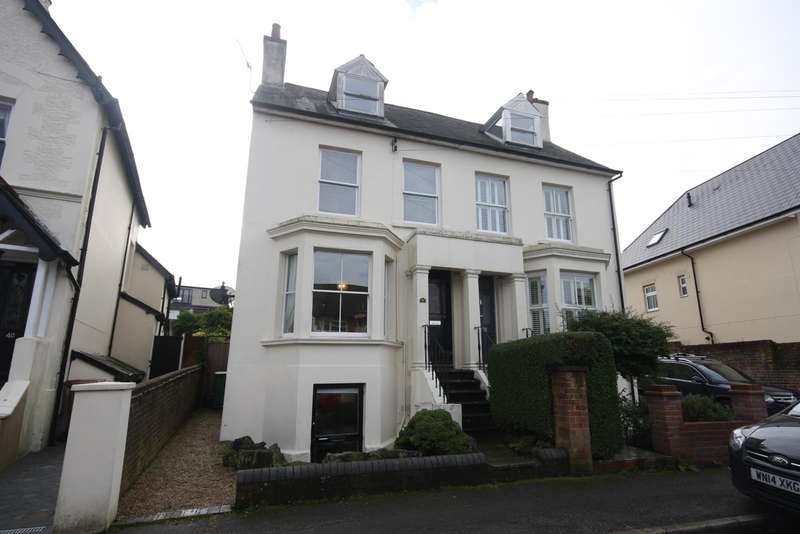 4 Bedrooms House for sale in Glovers Rd, RH2