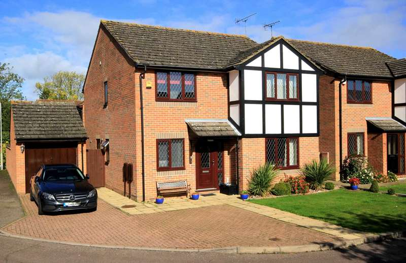 4 Bedrooms Detached House for sale in 4 BED DETACHED with ENSUITE to MASTER and DETACHED GARAGE in Leverstock Green
