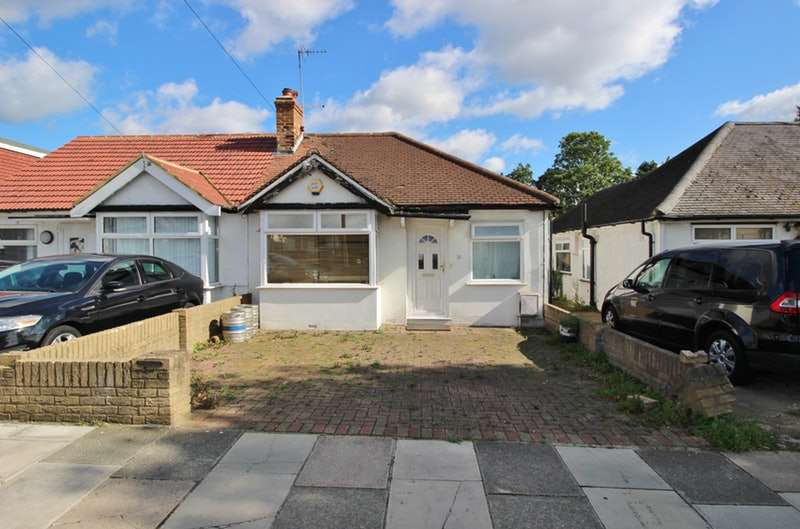 3 Bedrooms Semi Detached House for sale in Moat Farm Road, Northolt, London, UB5