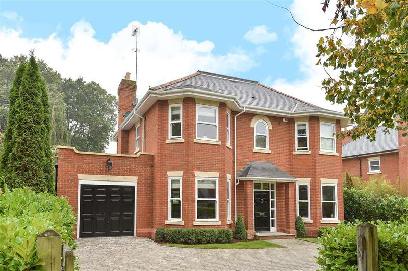 5 Bedrooms Detached House for sale in The Avenue, Crowthorne
