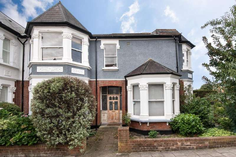 3 Bedrooms End Of Terrace House for sale in Denton Road, East Twickenham TW1