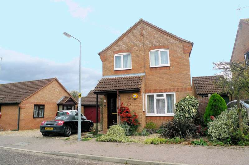 3 Bedrooms House for sale in Fletcher Way, Acle, Norwich, NR13