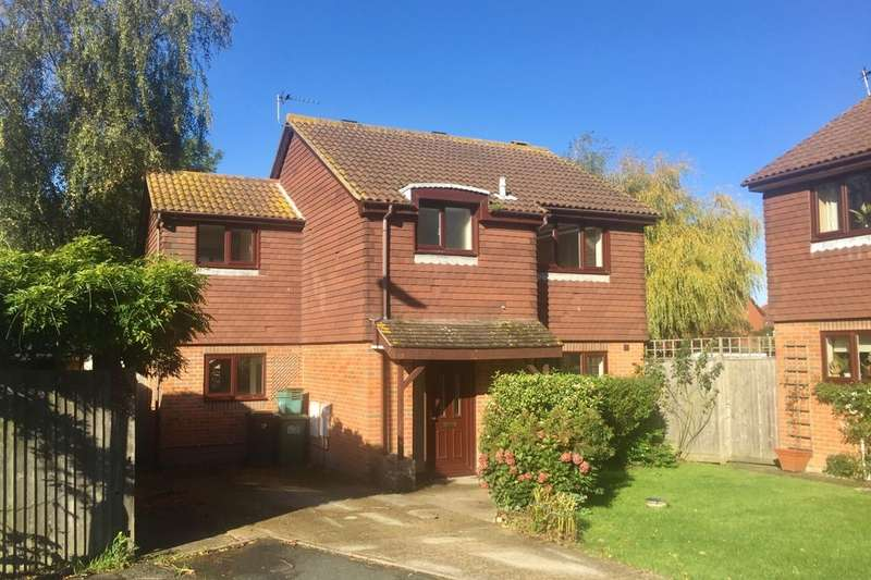 4 Bedrooms Detached House for sale in Culver Close, Eastbourne, BN23
