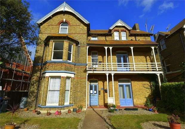 1 Bedroom Flat for sale in Westgate Bay Avenue, Westgate-on-Sea, Kent