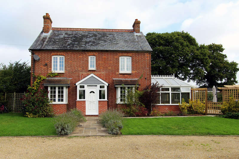5 Bedrooms Detached House for sale in Ingoldfield Lane, Newtown