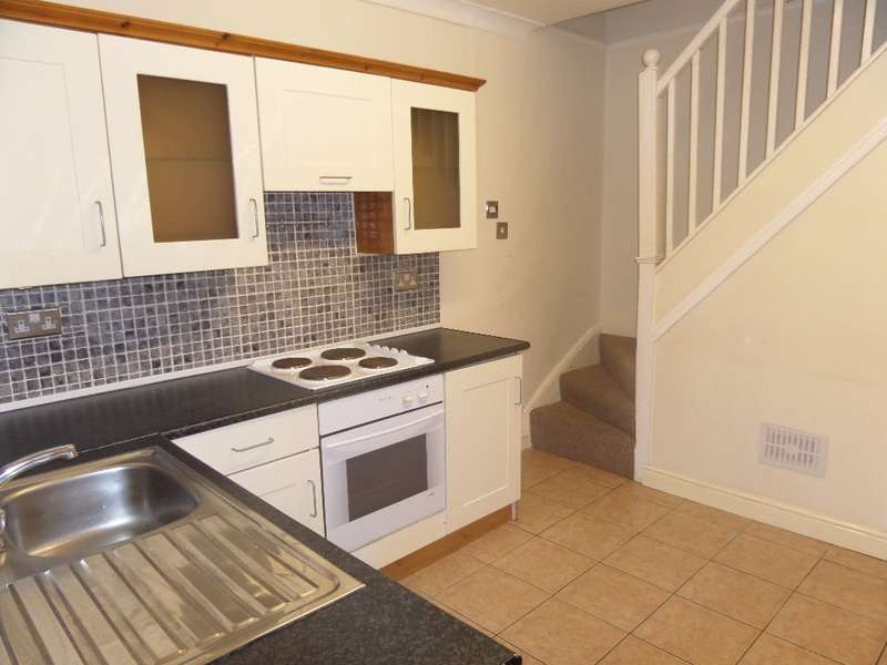 2 Bedrooms Terraced House for sale in Albion Road, PONTYPOOL, NP4